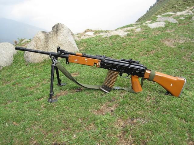 印度媒体:驻扎在所谓拉达克地区的印度军队缺枪急需采购