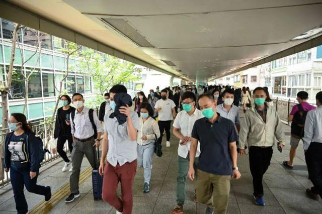 警惕!香港新增病例单日突破100例。钟南山的最新建议→。