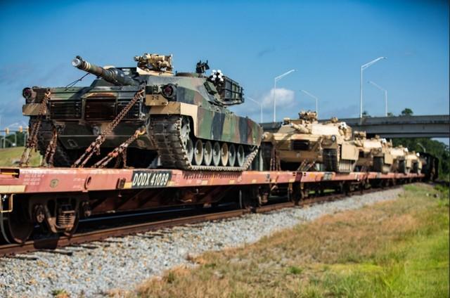 """""""漫长而光荣的历史""""结束了!美国海军陆战队让坦克手提前退役。"""