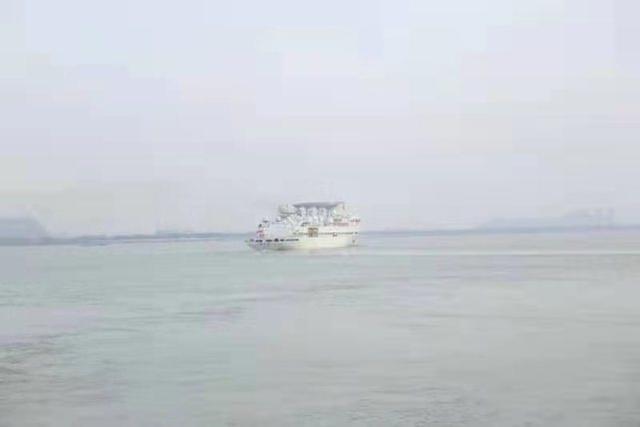 王源6号起航了,许多王源船只准备出发。