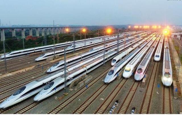 铁路部:60岁以上老人乘火车优先下铺。